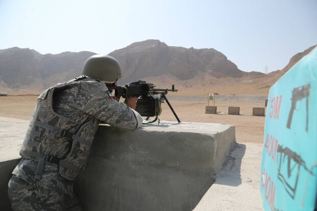 فريق الجيش الايراني يفوز بالمرتبة الأولى في قسم الاسلحة الخفيفة