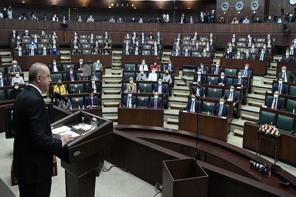 """Kulis: AK Parti, """"yüzde 5"""" fikrinden vazgeçmedi"""