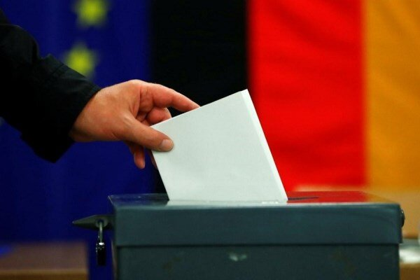 Polls open in Germany in tight race to elect new chancellor