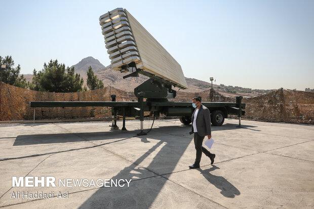 ايران تزيح الستار عن انجازين في مجال الدفاع الجوي