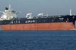 ایرانی تیل بردار کشتی لبنان کے لئے ایندھن لیکر شام کے سمندر میں داخل ہو گئی