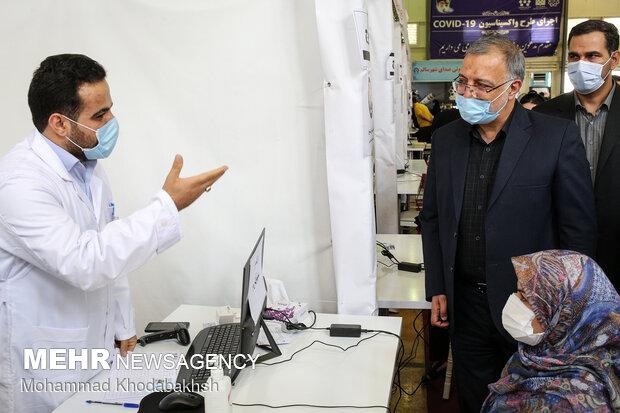 Tehran mayor opens vaccination center of Goftegoo Park