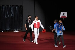 Azizi adds another gold to Iran tally at Tokyo paraolympics