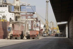 Iran imports 10mn tons of basic goods via ports in 5 months