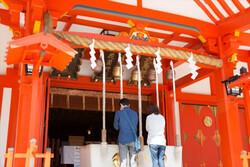 شینتو متولد میشوند، مسیحی ازدواج میکنند و بودایی از دنیا میروند
