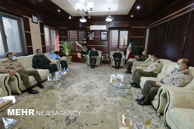 IRGC commanders meeting with new defense minister