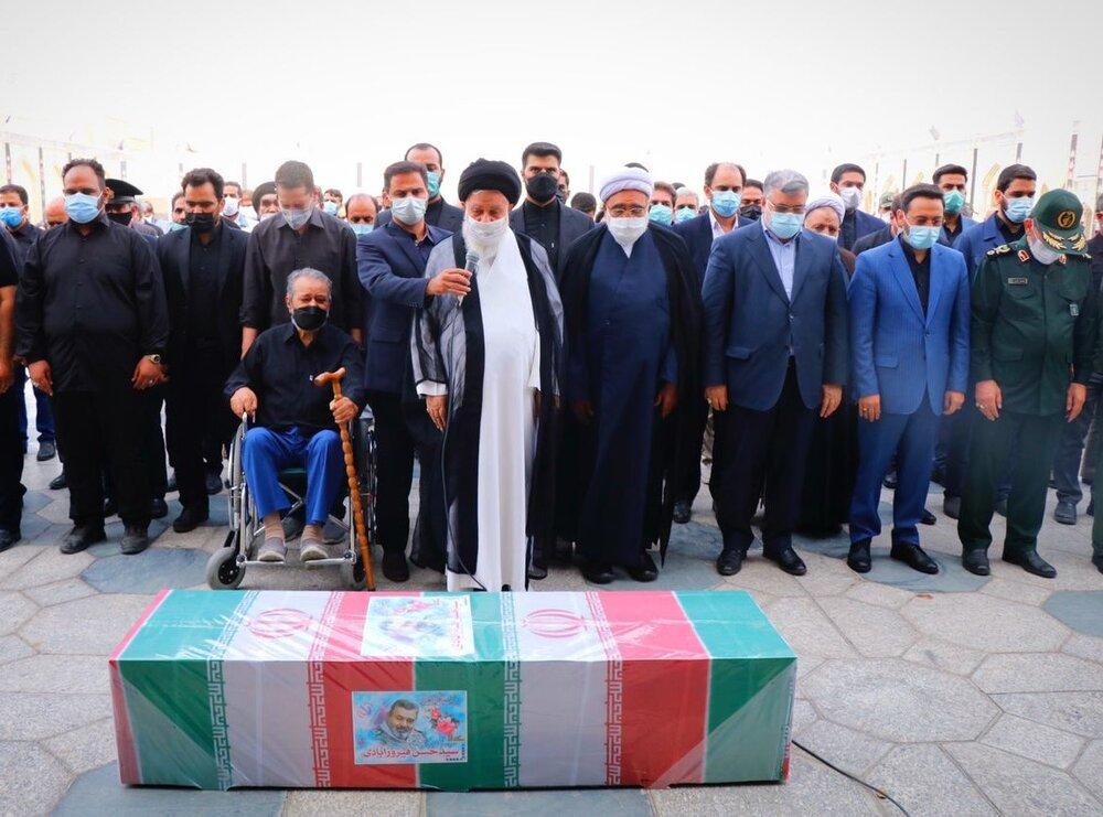 پیکر سرلشکر فیروزآبادی در حرم مطهر رضوی به خاک سپرده شد