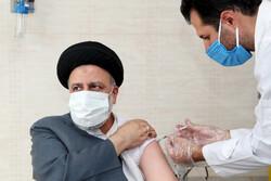 President Raeisi receives 2nd dose of Barakat vaccine