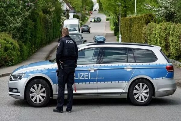 Two people wounded in a knife attack in German capital