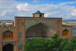 İran'ın batısındaki en büyük tarihi cami, Burucerd kentinde