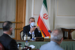 ایرانی وزیر خارجہ  کی ایرانی چیمبر آف کامرس کے ارکان سے ملاقات