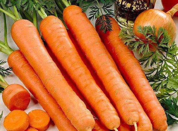 ادامه روند نزولی نرخ هویج/ قیمت به ۱۲ هزار تومان رسید