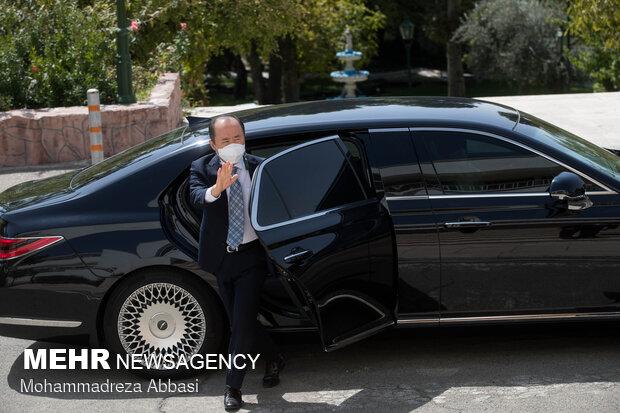 İran Dışişleri Bakanı, yabancı diplomatlarla buluştu