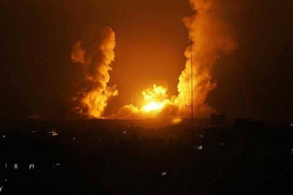 طائرات الاحتلال تشن سلسلة غارات عدوانية غرب مدينة خانيونس