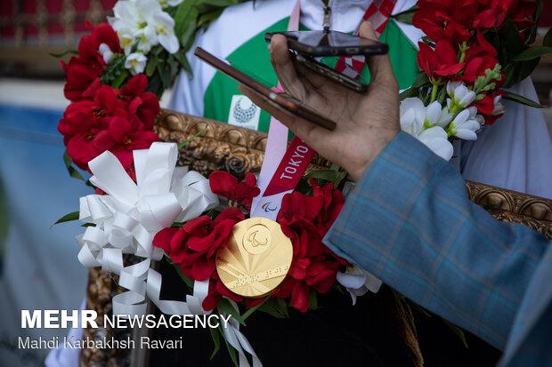 حضور سعید افروز، قهرمان پارالمپیک توکیو، در جوار مزار حاج قاسم