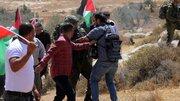 عشرات الاصابات خلال مواجهات مع الاحتلال في يوم غضب الفلسطينيين دعما للاسرى