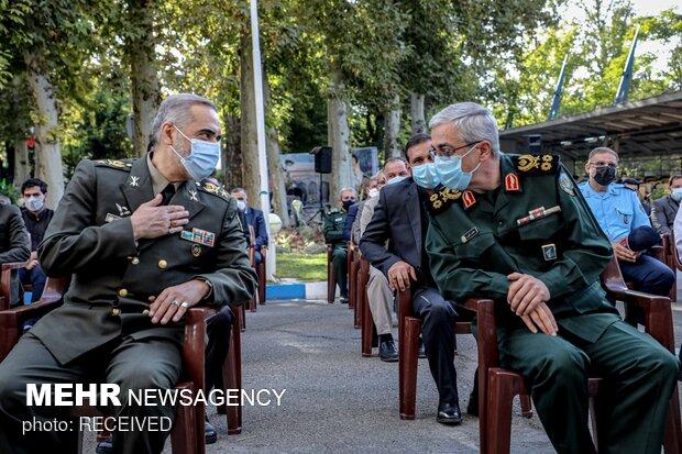 گفت و گو سرلشکر محمد باقری  و امیر محمدرضا قرایی آشتیانی در مراسم یادبود سرلشکر فیروزآبادی