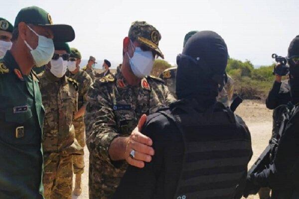 تنكسيري: مستوى الجاهزية القتالية العملياتية للمقاتلين في الجزر الايرانية إيجابي