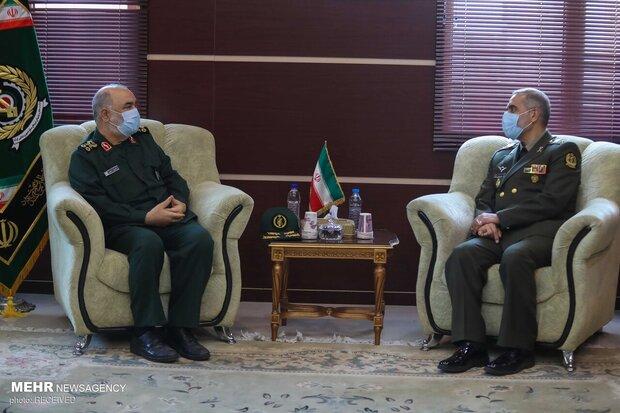 دیدار فرماندهان ارشد سپاه پاسداران با وزیر دفاع- امیر محمدرضا آشتیانی و سردار حسین سلامی