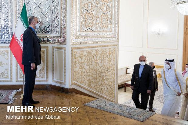 استقبال حسین امیر عبداللهیان وزیر امور خارجه ایران از محمد بن عبدالرحمن آل ثانی وزیر امور خارجه قطر