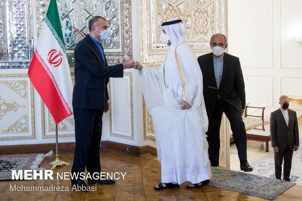 حسین امیر عبداللهیان وزیر امور خارجه ایران و محمد بن عبدالرحمن آل ثانی وزیر امور خارجه قطر