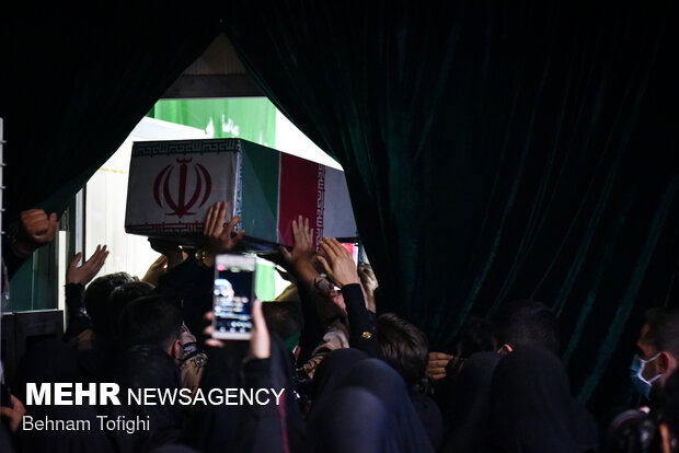 وداع با پیکر شهید مدافع حرم محمد اینانلو