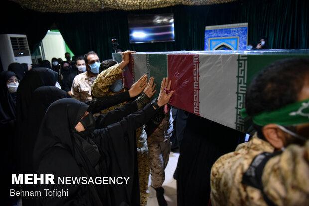 ورود پیکر شهید مدافع حرم محمد اینانلو به معراج شهدای تهران