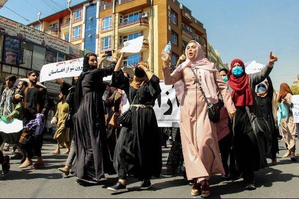 زنان در پایتخت افغانستان تظاهرات کردند
