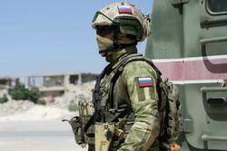 انفجار بمب در مسیر کاروان کمکهای بشردوستانه در سوریه/یک نظامی روس کشته شد