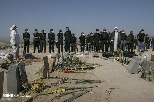روزهای تلخ وادی رحمت تبریز در خاکسپاری متوفیان کرونایی