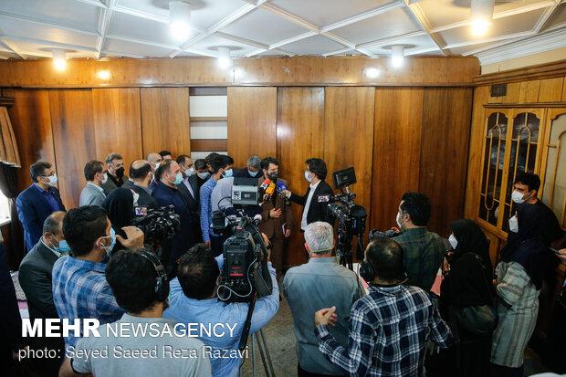 حجت الله عبدالملکی وزیر تعاون، کار و رفاه اجتماعی در جمع خبرنگاران رسانه های مختلف