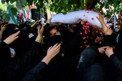 پیکر شهید اینانلو در کرج به خاک سپرده شد