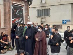 عزاداری خودجوش مردمی در مقابل شورای شهر گرگان برگزار شد