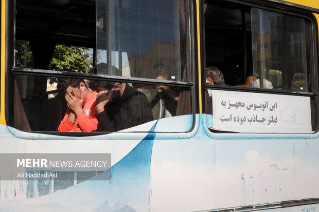 معتادین متجاهر در حال انتقال به گرم خانه