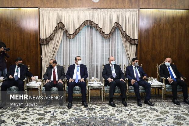 هیات همراه مصطفی الکاظمی نخست وزیر عراق