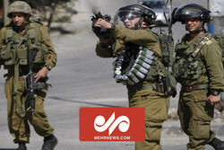VIDEO: Israeli forces open fire on a young Palestinian