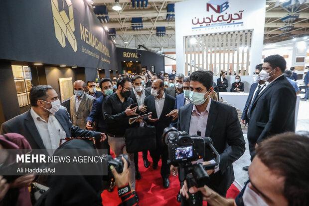 رستم قاسمی وزیر راه و شهر سازی از غرفه های نمایشگاه صنعت ساختمان در محل دائمی نمایشگاههای بین المللی تهران بازدید کرد