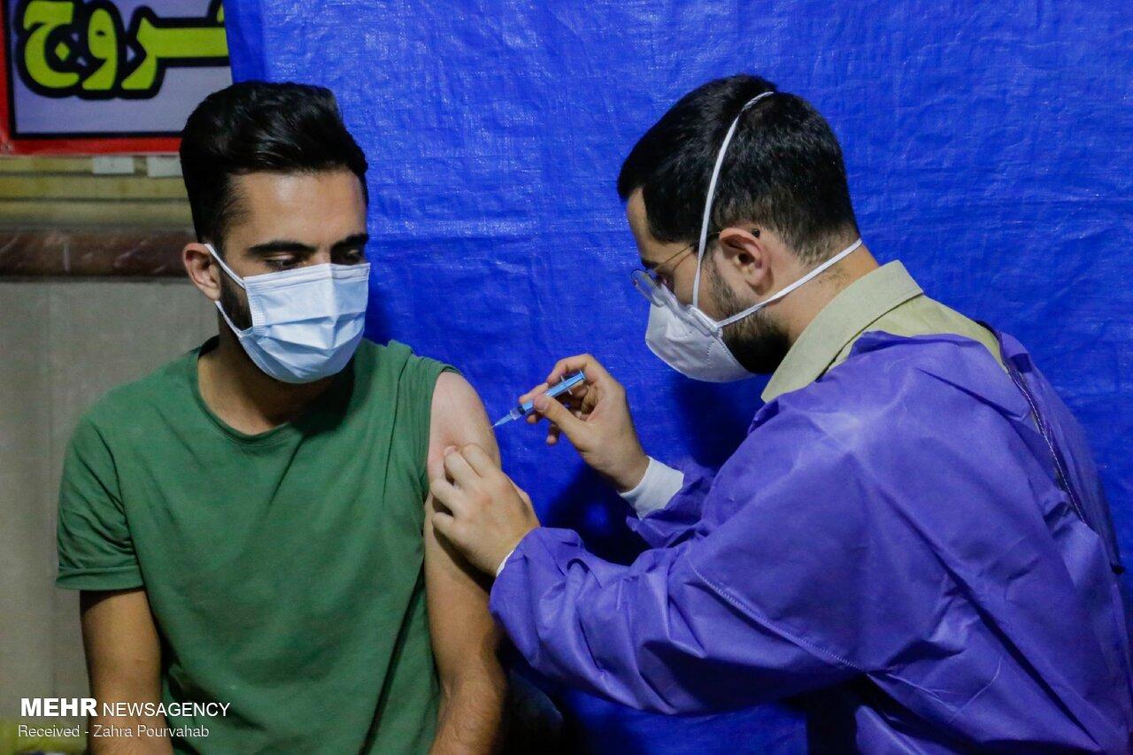 ۵۶ درصد از افراد دارای شرایط در فارس ۲ دوز واکسن دریافت کردند