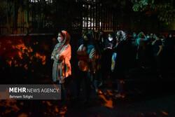 تہران میں رات کے وقت ویکسینیشن