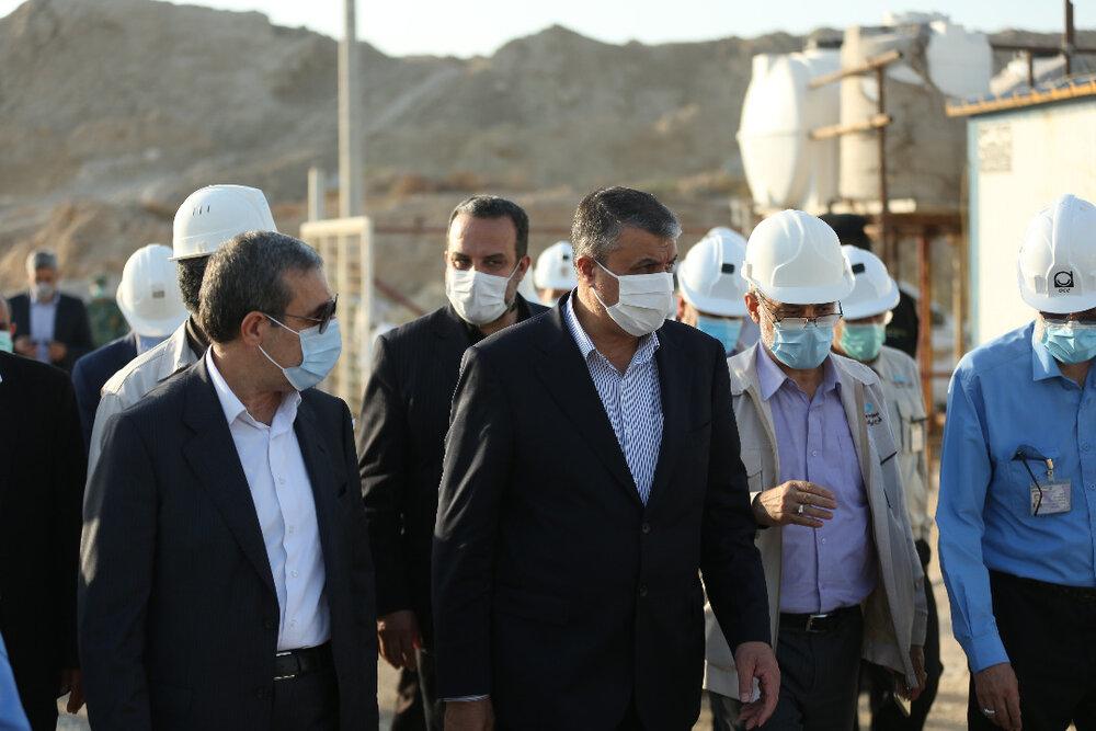 رئیس سازمان انرژی اتمی از نیروگاه اتمی بوشهر بازدید کرد