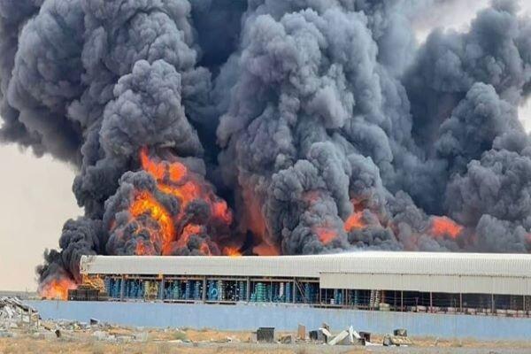 وقوع یک آتشسوزی بزرگ در مجاورت سواحل شمالی امارات