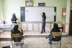 والدین بلاتکلیف و دانشآموزان چشم انتظار/ روند آموزش همچنان مبهم است