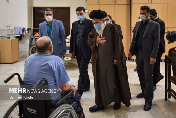 دیدار رئیس بنیاد شهید با جانبازان مرکز ثارالله 9