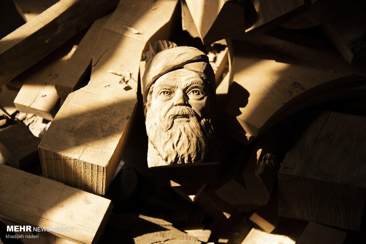 İran'da ahşap heykel sanatı