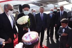 VIDEO: Tajik PM welcomes Raeisi upon his arrival in Dushanbe