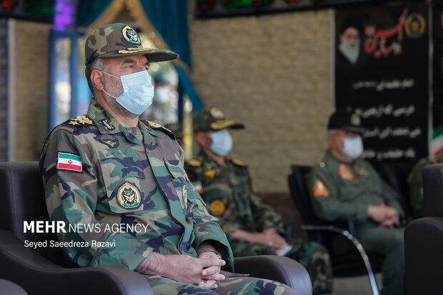 امیر کیومرث حیدری فرمانده نیروی زمینی ارتش در مراسم اختتامیه نوزدهمین دوره رزم مقدماتی ارتش حضور دارد
