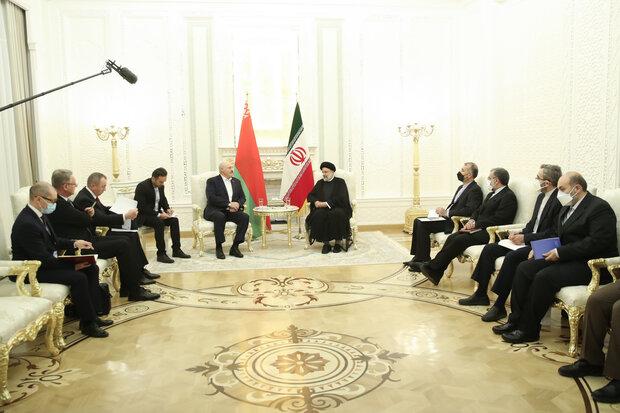 اولویت دولت توسعه مناسبات اقتصادی در منطقه است