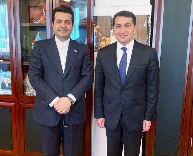 السفير الايراني في باكو يلتقي بمساعد الرئيس الاذربيجاني