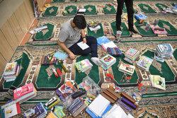 توزیع ۳۰۰ بسته لوازمالتحریر توسط دانشجو معلمان بجنوردی