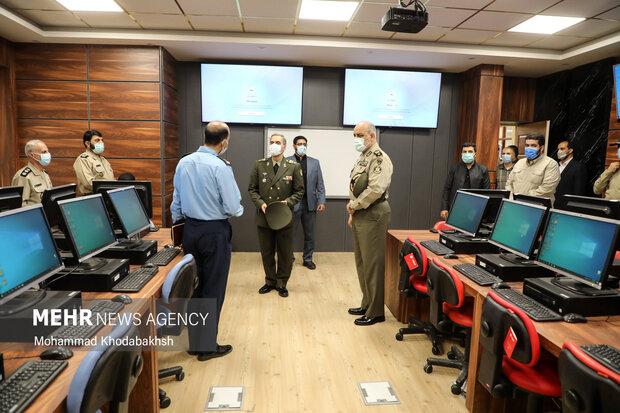 امیر سرتیپ محمدرضا آشتیانی وزیر دفاع و پشتیبانی نیروهای مسلح در  دانشگاه فرماندهی و ستاد ارتش جمهوری اسلامی ایران (دافوس) حضور یافت.